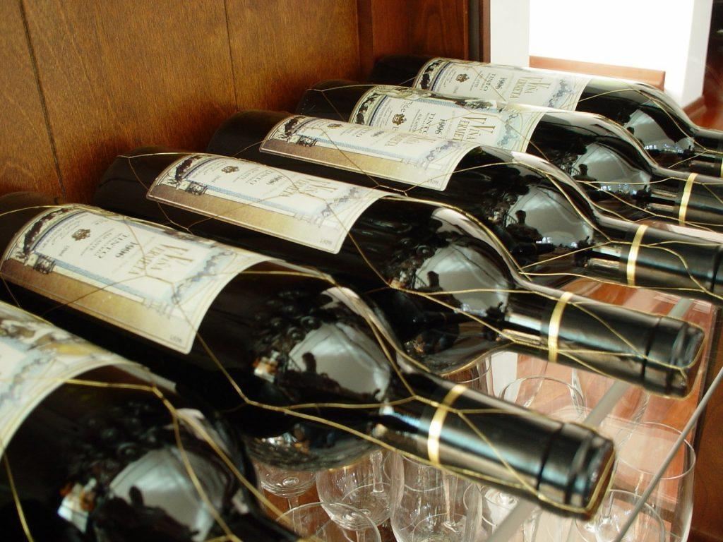wine-1328360.jpg